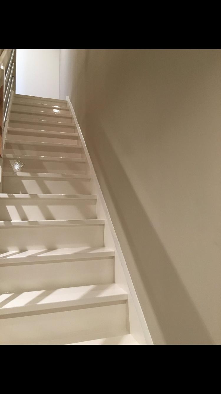 stylobate escalier fermer le ct de la cage duescalier. Black Bedroom Furniture Sets. Home Design Ideas